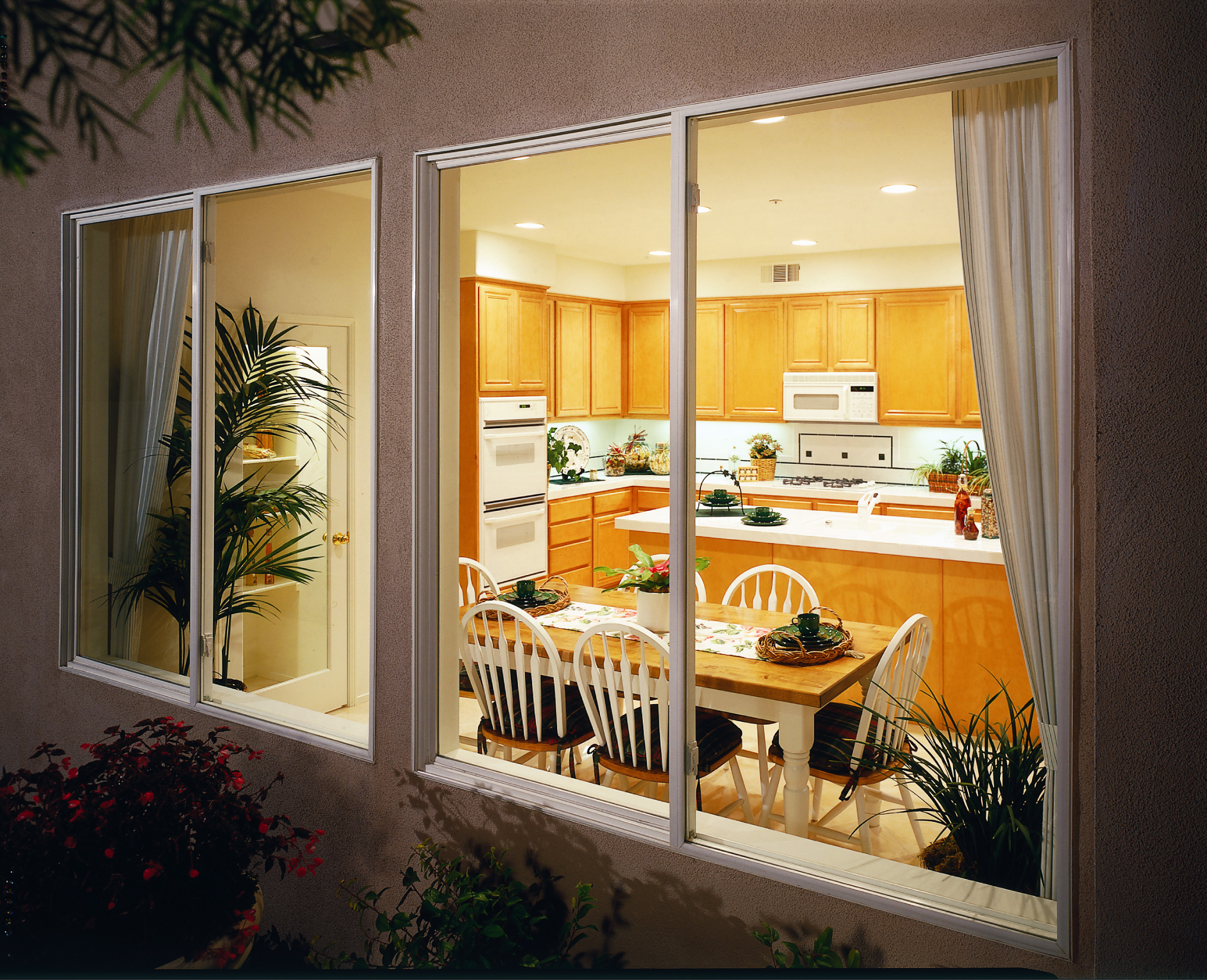 Double hung windows replacement windows bradenton for Wholesale replacement windows